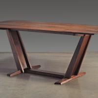 dining table leaning3